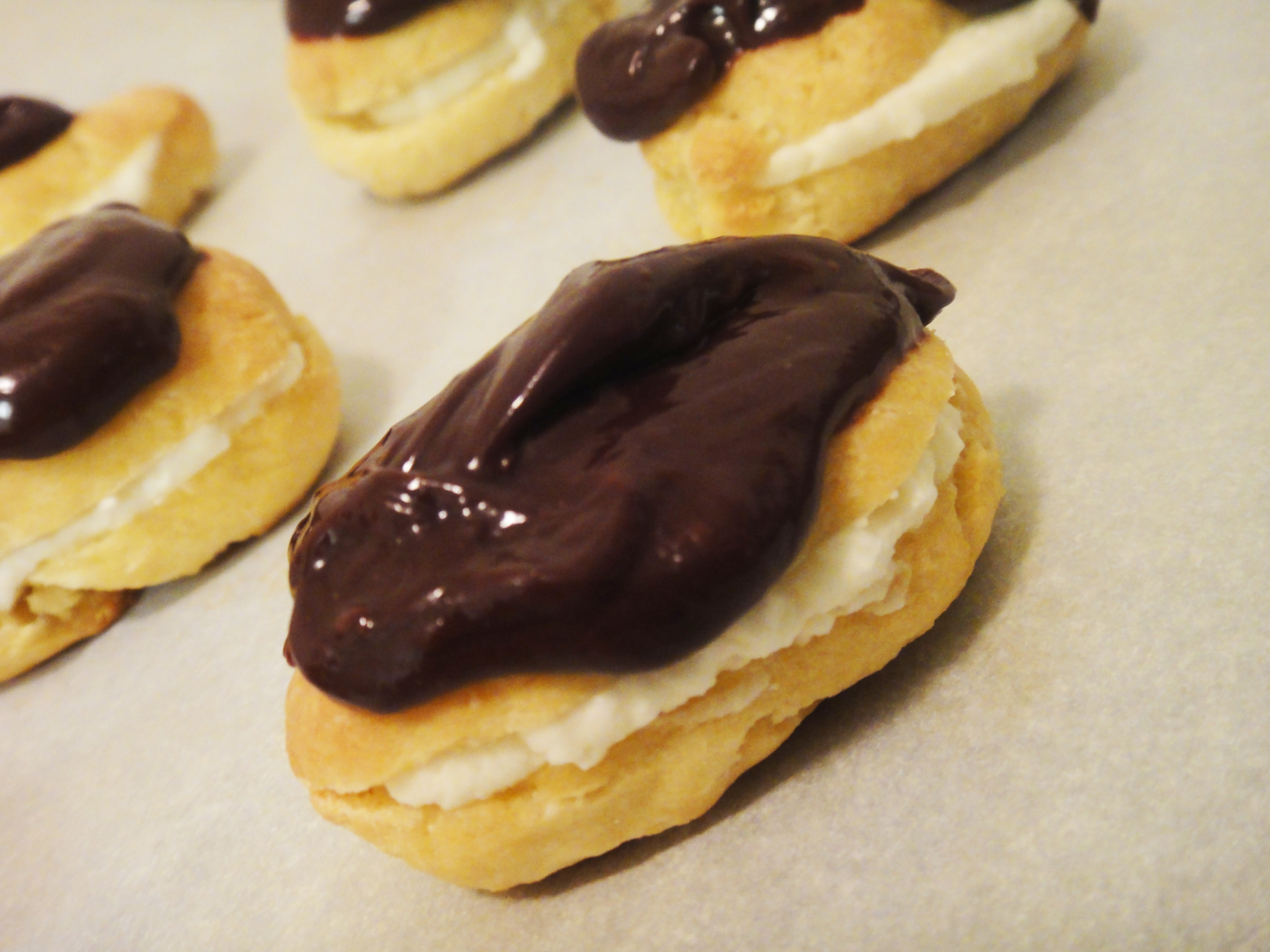 Eggless Mini Chocolate Eclairs – Memories from my ...
